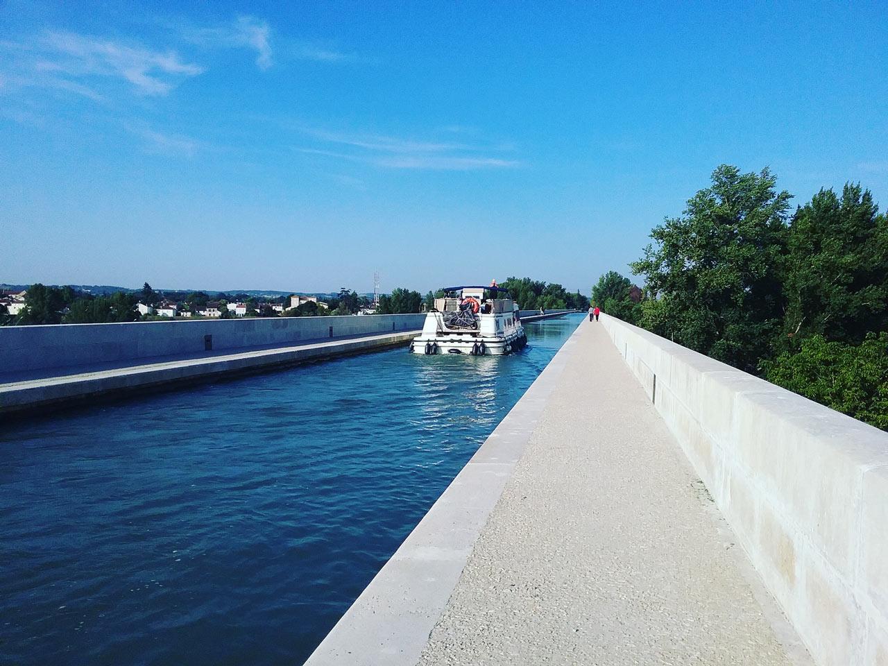 agen-pont-canal-destination-agen-tourisme-(1)