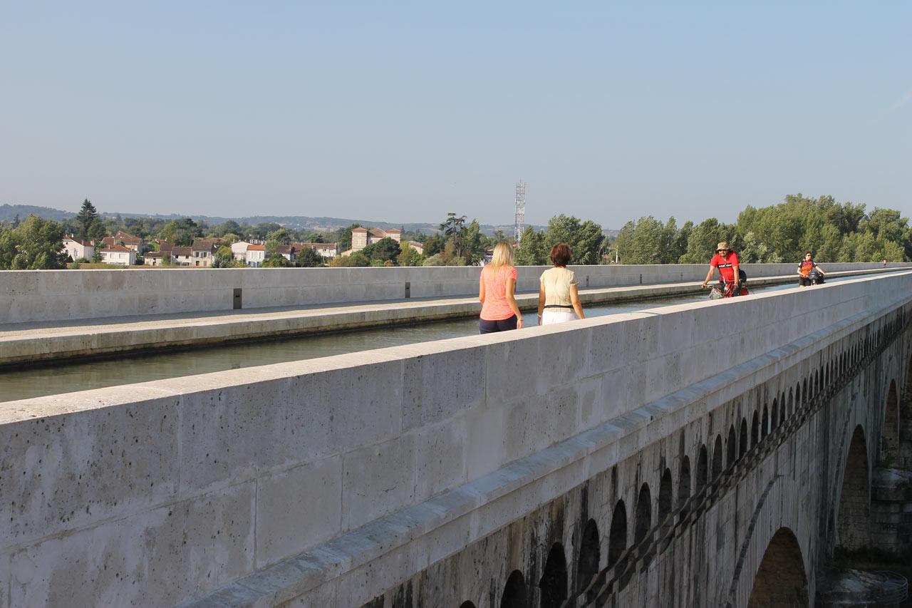 agen-pont-canal-destination-agen-tourisme-(2)